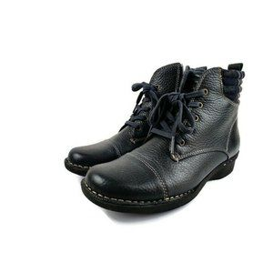 Clark's Navy Whistle Bea Ankle Boots. Size: 6M